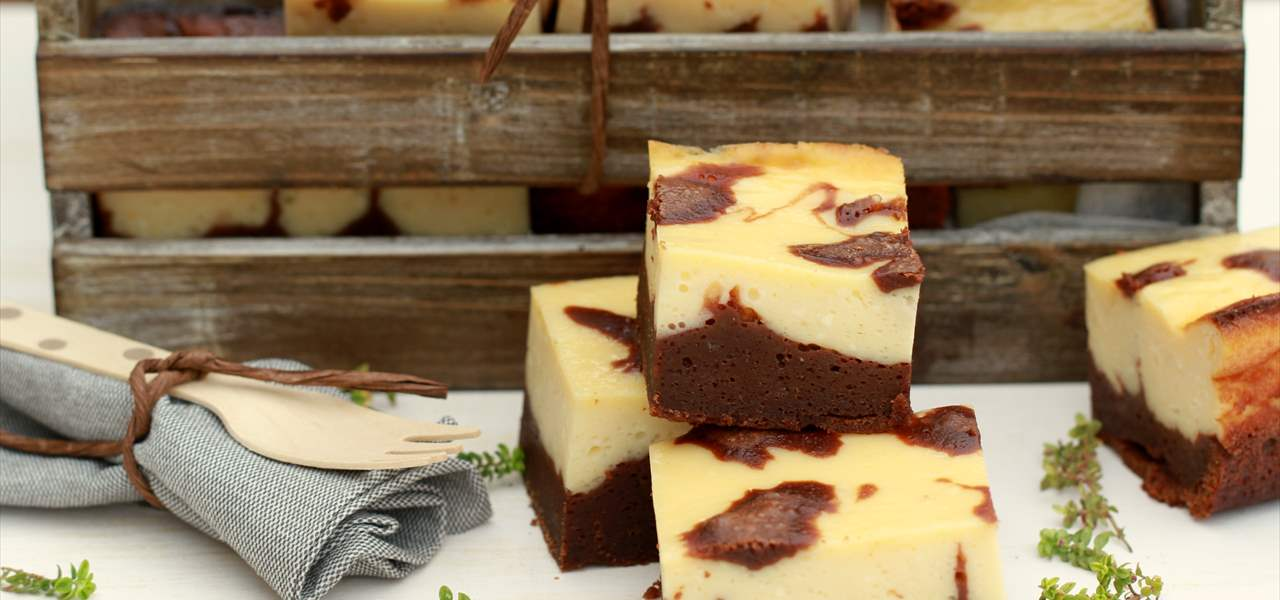Brownie con cheesecake