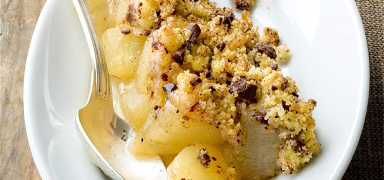 Crumble de peras y pepitas de chocolate