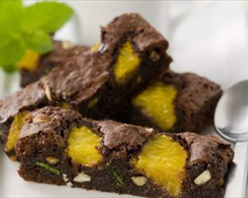Brownies de chocolate y naranja a la menta