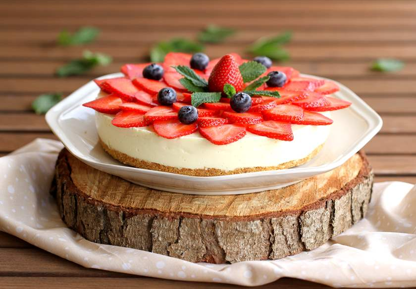 Cheesecake de chocolate blanco con fresas