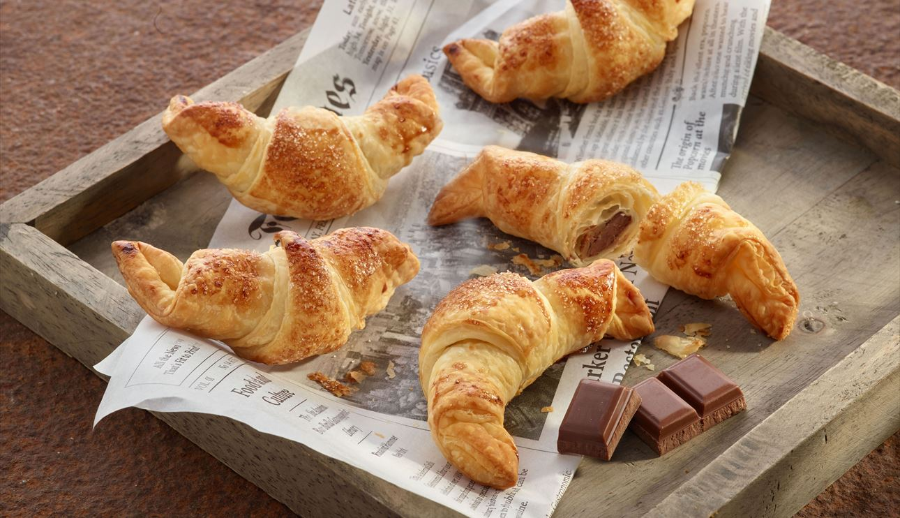 Croissants con chocolate con leche