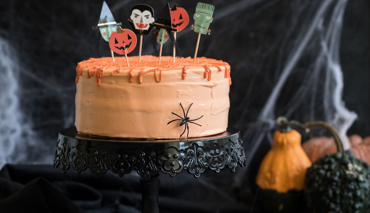Tarta Halloween con crema de chocolate blanco