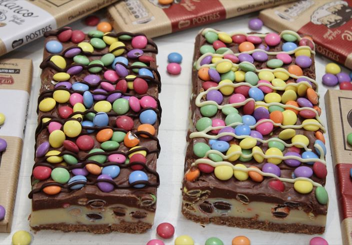 Turrón de chocolates y smarties