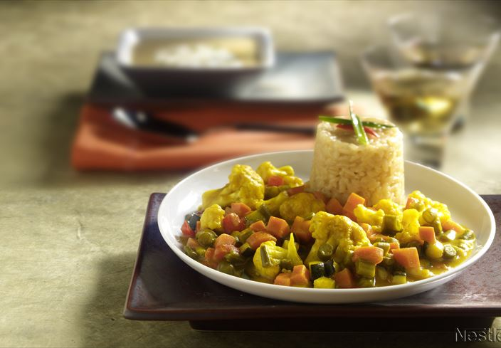 Arroz con verduras y curry
